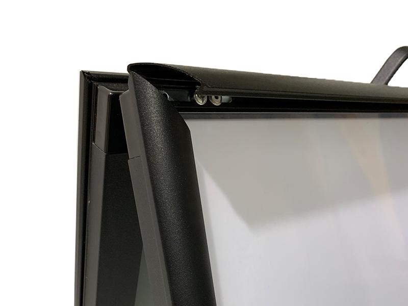 Snap 25mm Profile_Mitred Corners Hardware